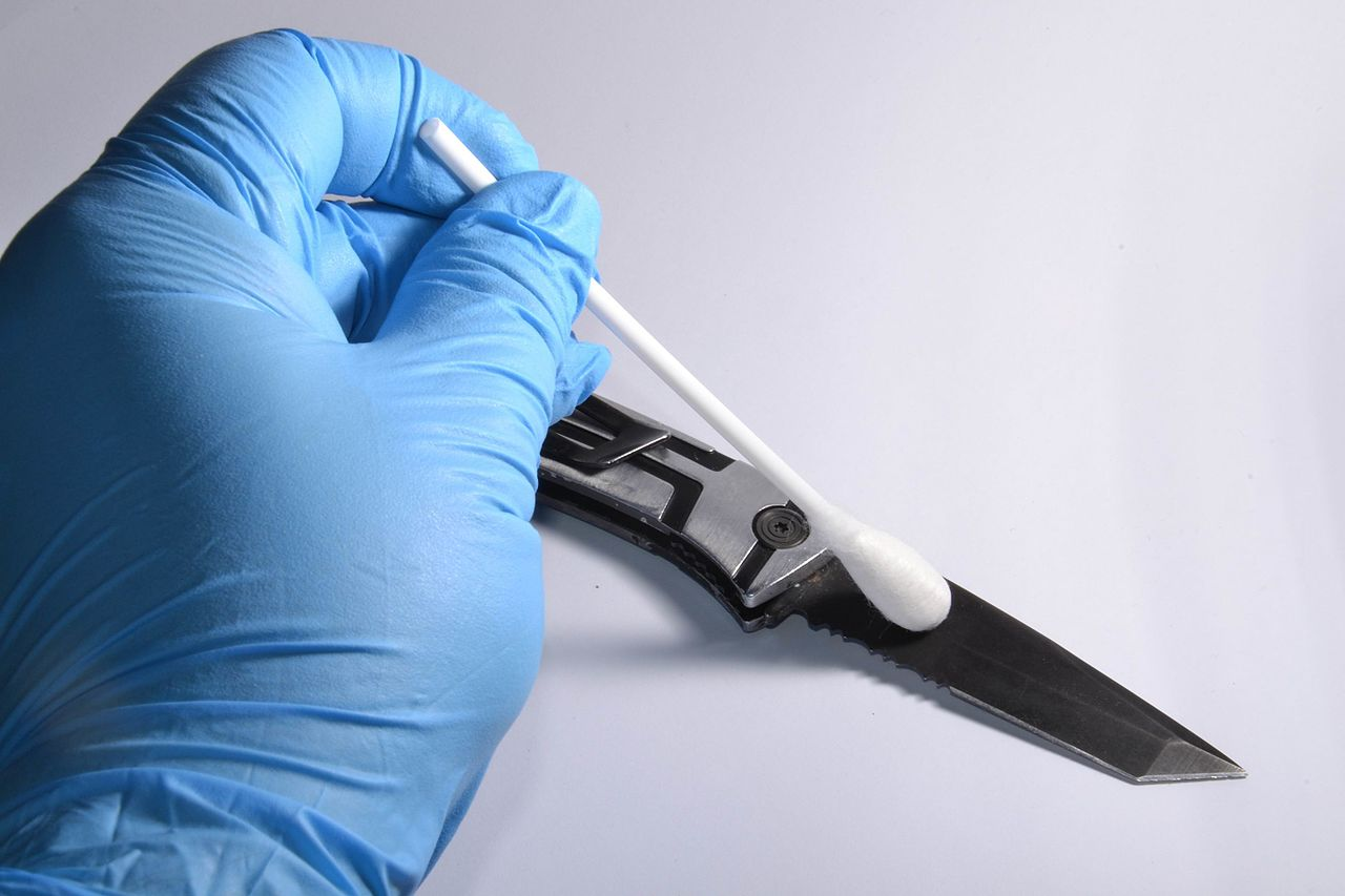 dna swab, wrongful convictions due to forensic science